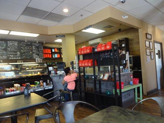 Fairfax, فيرجينيا: view of service area counter