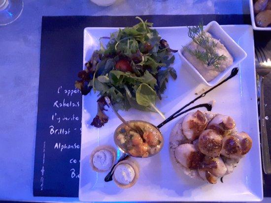 Les Perot-Quais: Assiette tropicale, noix de st jacques snackées risotto à l'aneth, tartare concombre tomate anan