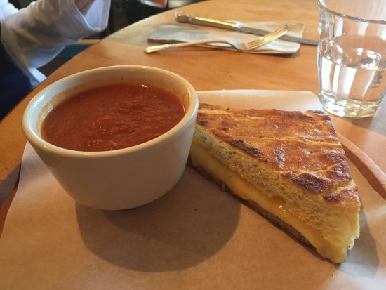 Whidbey Pies & Cafe: 1/2 Grilled Cheese