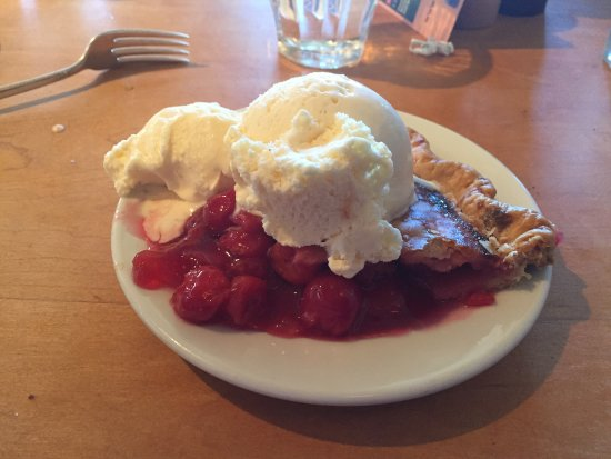 Whidbey Pies & Cafe: Cherry Pie al-la-mode STUPID GOOD!