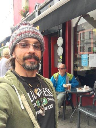Killorglin, Irlanda: Coffee and pastry break!