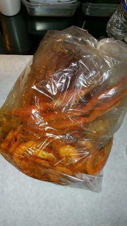 Upland, كاليفورنيا: Bag of mild Cajun goodies