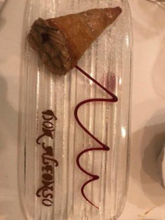Ristorante Don Alfonso 1890: Chocolate cream in pastry cone - exorbitant