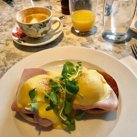 Richmond, UK: Eggs Benedict