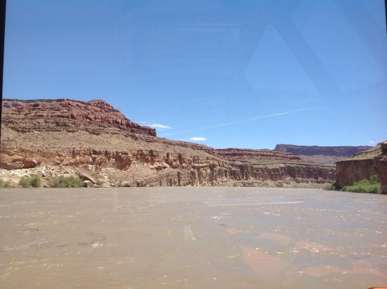 Canyonlands by Night and Day: Some of the scenery as we rounded one of the many bends in the river