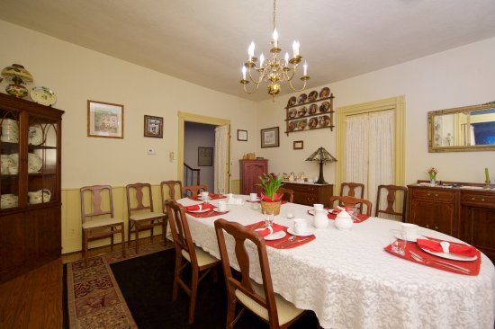 Gordonville, PA: The Dining Room