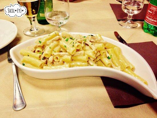 Zafferana Etnea, Italia: Quattro formaggi.