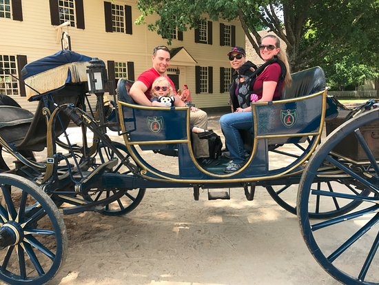 Colonial Williamsburg: Carriage ride - fun but short