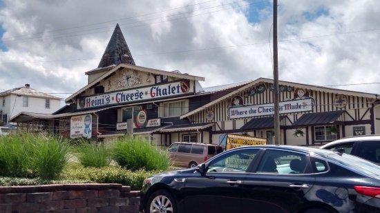 Millersburg, OH: Heini's Cheese Chalet