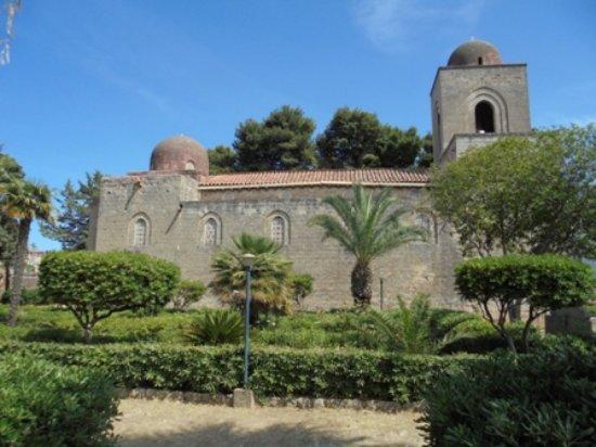 Chiesa di San Giovanni dei Lebbrosi: Vista laterale