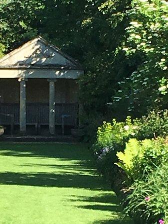 Holt, UK: Temple garden