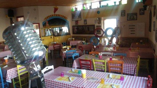 Qualiano, Италия: Senza Pensieri Taverna Antisfiga Pub Pizzeria