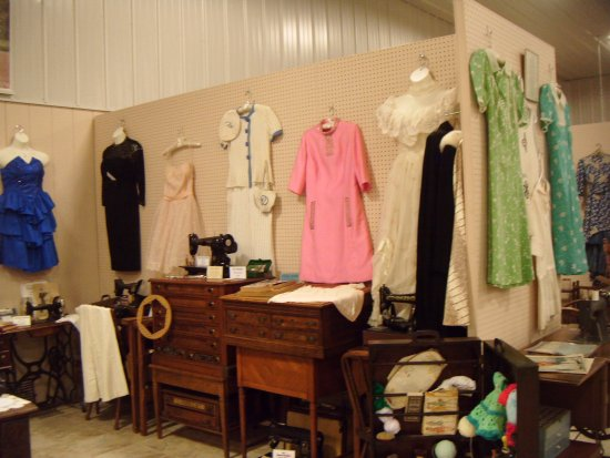 Huntingdon, PA: period clothes