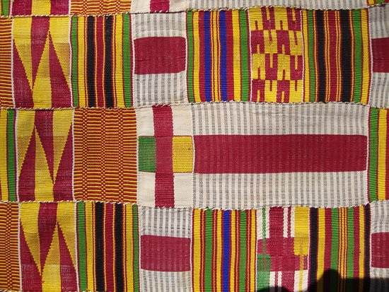 Martinez, Kalifornia: Hand-woven Kente strip cloth, originally used in men's wraps. Meet the weavers on the GHANA trip