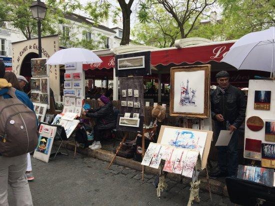 Montmartre: テルトル広場の絵描さんたち