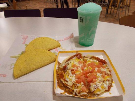 Taco Bell, N. Santa Fe Ave, Pueblo. A Mexican Pizza w Tacos.