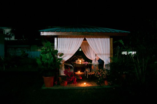Lahad Datu, Malasia: Dinner at Bike and Tours B&B