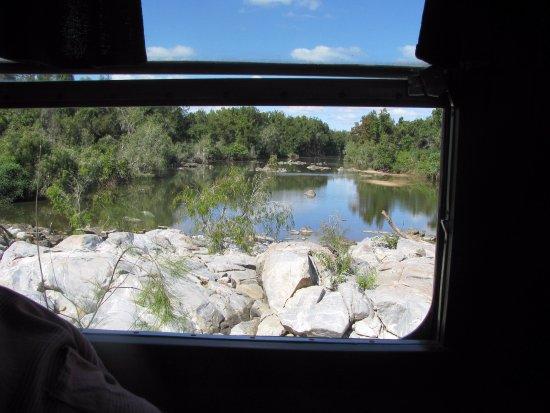 Mount Surprise, Australien: View from Railmotor window
