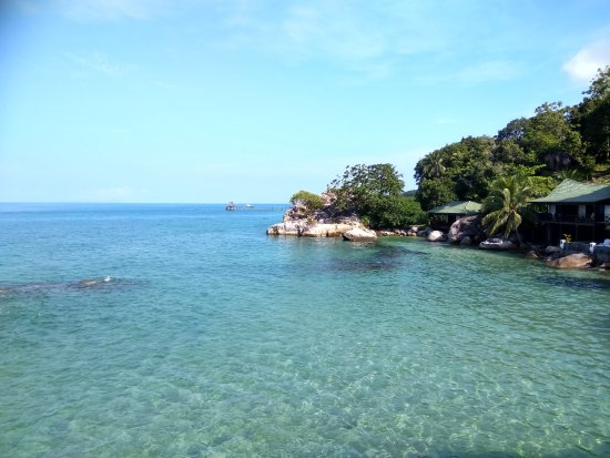 Minang Cove Resort: Crystal clear waters just outside the resort