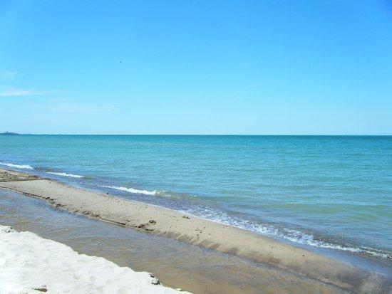 Chesterton, IN: Lake Michigan from Indiana Dunes Shoreline!