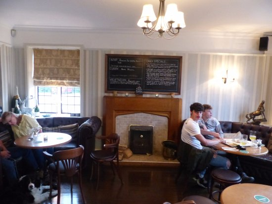 The Aldwark Arms: Pub area compact, great for a quiet drink before going into the dining room