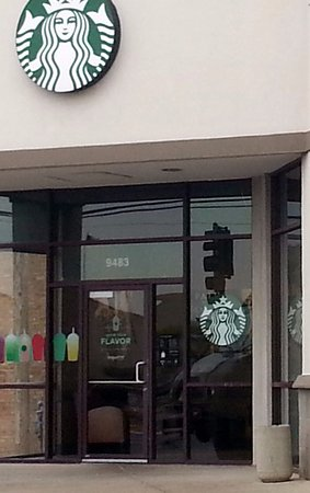 Niles, IL: entrance to Starbucks Coffee