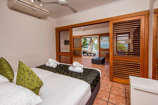 paradise on the beach resort. Black Bedroom Furniture Sets. Home Design Ideas