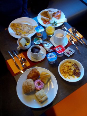 La Louviere, Belgia: Завтрак