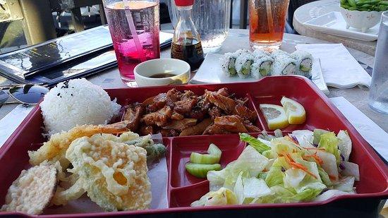 Izakaya Sushi: received_10155160497330155_large.jpg