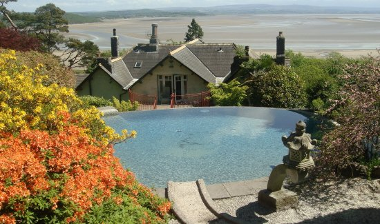 Grange-over-Sands, UK : The infinity pool