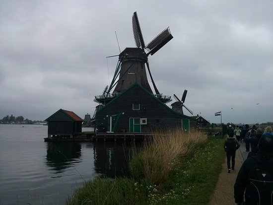 Purmerend, The Netherlands: Windmill ahead