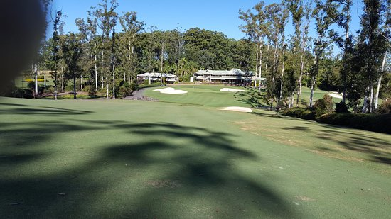 Bonville, Australia: approach to 18th and 19th hole
