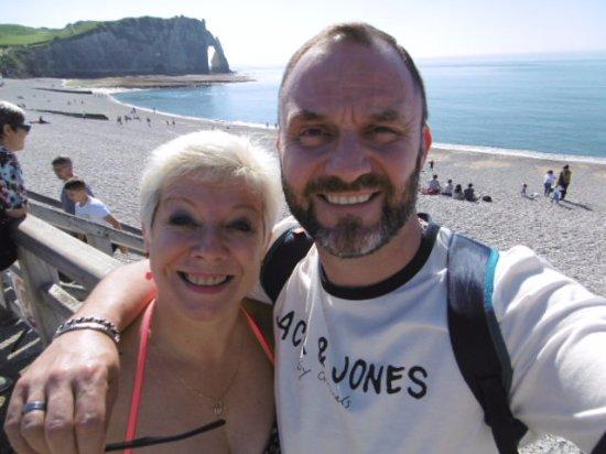 Falaise d'Etretat: la plage de galets d Etretat