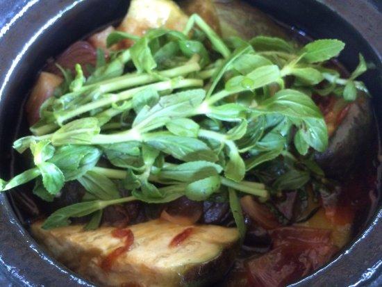 Son Hoian Restaurant: Eggplant in clay pot