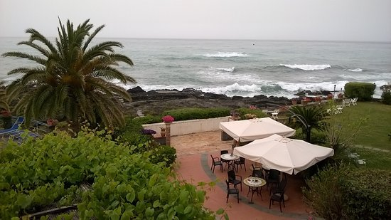 Arathena Rocks Hotel: Terrasse