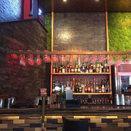 Horsham, UK: Bar area