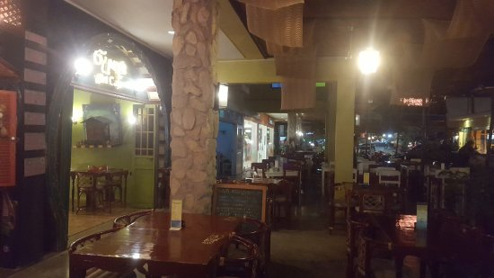 The Gypsy's Lair Art Cafe: the restaurant from the outside, its very nice inside as well, very good food and service