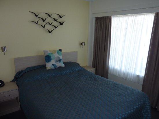 Kiama, Australië: Deluxe Room bed area
