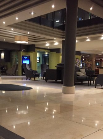 Ballincar, Irlanda: Hotel Lobby....very inviting