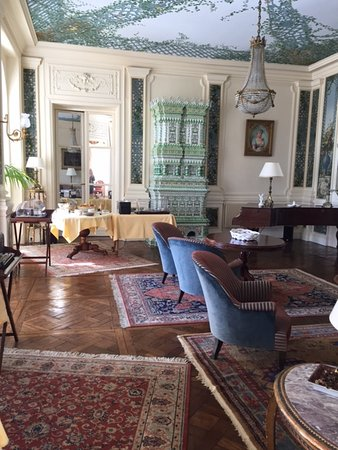Hôtel Villa Reine Hortense : The drawing room
