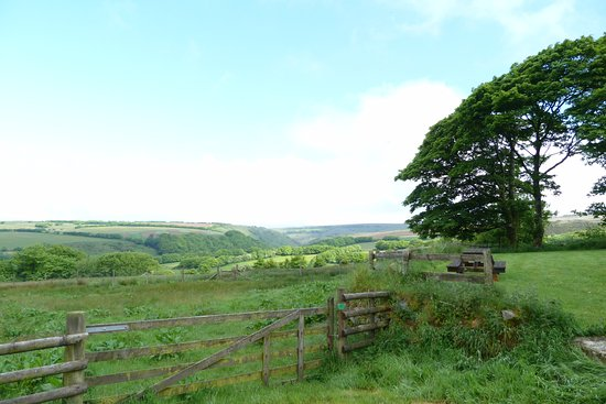 Challacombe, UK: Beautiful view from driveway