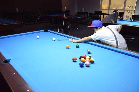 Visit Al Shaab Billiard Centre in Al Shaab Village for