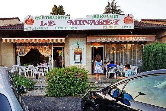 Montmorillon, France: Façade du restaurant