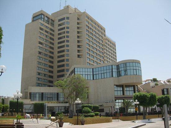 InterContinental Abu Dhabi: Marina Side of the hotel