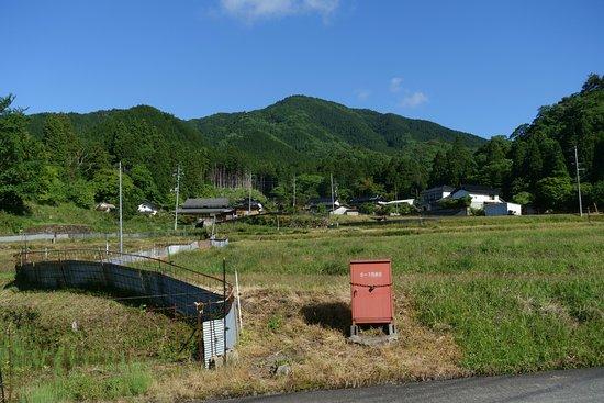 Mimasaka, Japón: 麓から見た袴ヶ仙