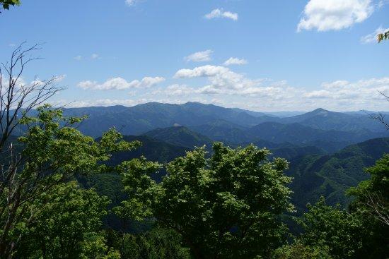 Mimasaka, Japón: 山頂から見た岡山県最高峰の後山