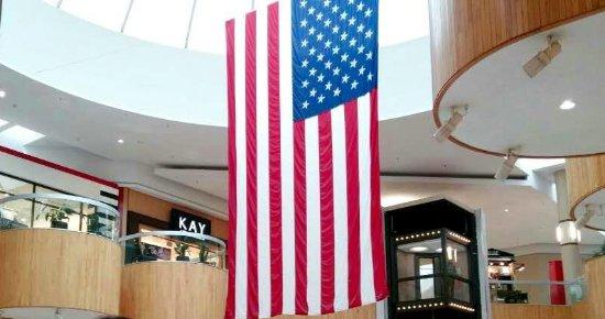 Holyoke Mall @ Ingleside