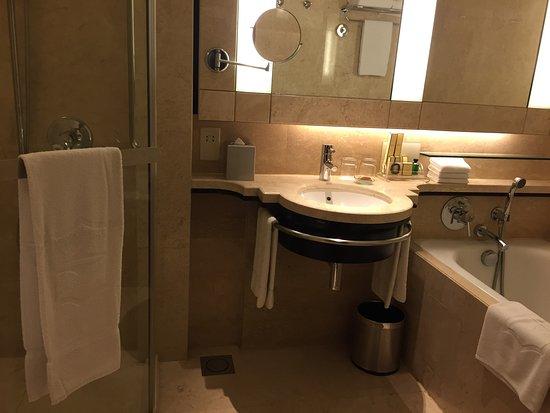โรงแรมแชงกรี-ล่า กัวลาลัมเปอร์: photo1.jpg
