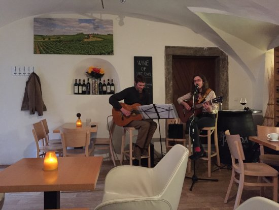 CP1 Café & Wine Bar: Live jazz music