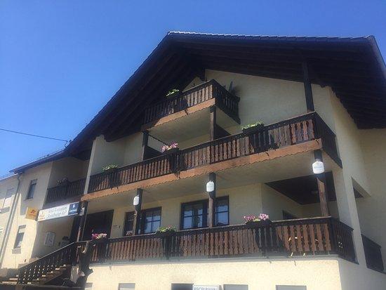 Wadern, Almanya: Ein einfaches Hotel das in die Jahre gekommen ist